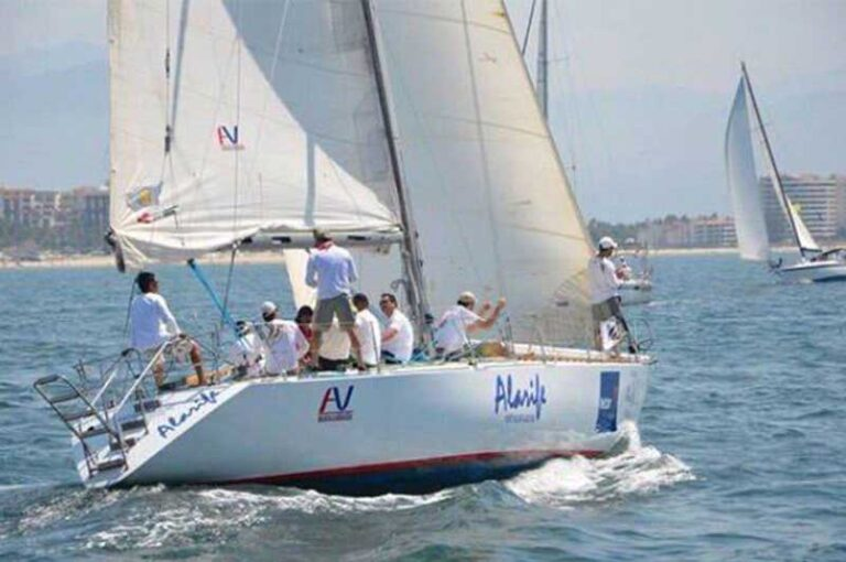 day sailing in puerto vallarta