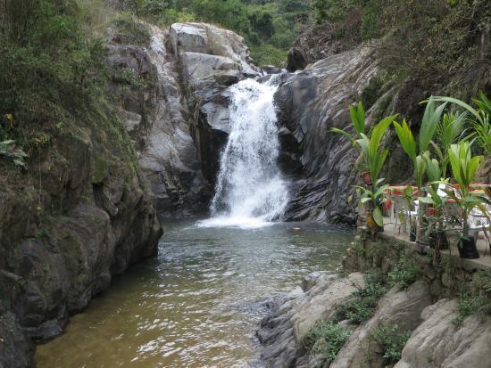 quimixto waterfall